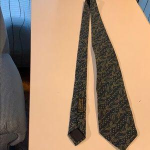 Giorgio Armani silk patterned tie